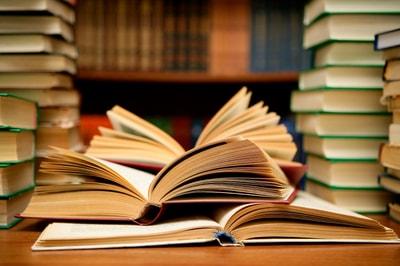 books-min.jpg